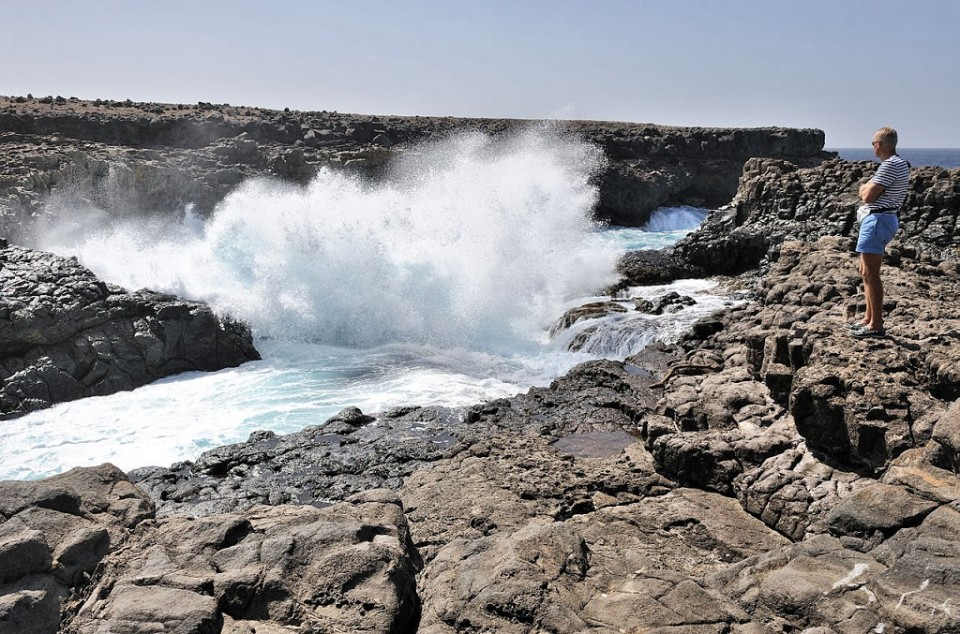 1280px-Cape_Verde_Sal_Buracona_2011